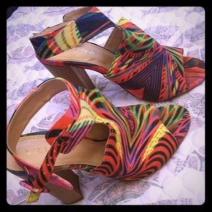 Women's block heel sandal size 8